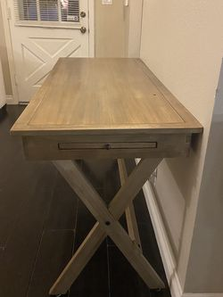 Gorgeous Wood Desk For sale! for Sale in Santa Monica,  CA