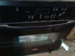 "Whirlpool 30"" electric oven for Sale in Covina, CA"