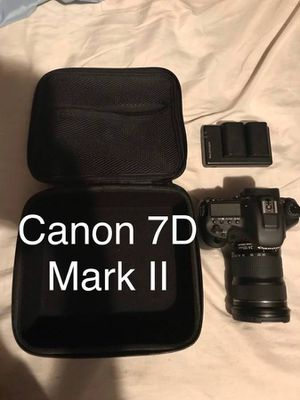 Canon 7D Mark 2 with Canon Lens 24-105 for Sale in Fort Lauderdale, FL