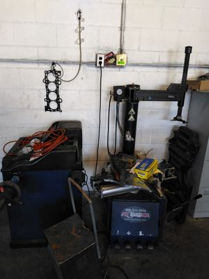 Maquinas para LLantera for Sale in Alameda, CA