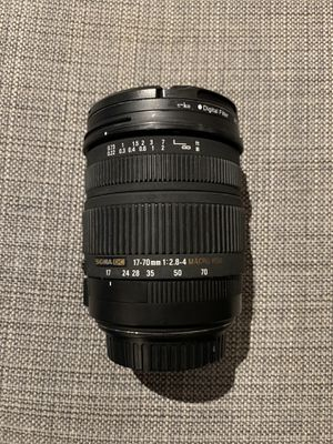 Sigma 17-70mm 1:2.8-4 Lens + UV Filter for Sale in Los Angeles, CA