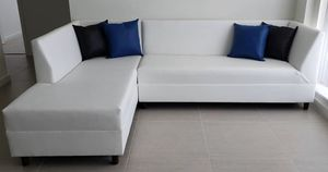 White Sectional Sofa for Sale in Miami, FL