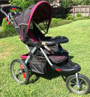 Baby trend jogging stroller with speakers for Sale in Brooklyn, NY