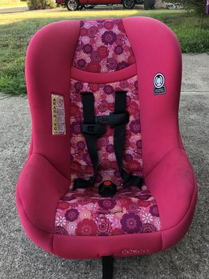 Graco girls car seat for Sale in Killeen, TX
