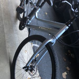 NEW TREK VERVE 3 BLUE STEAL BICYCLE for Sale in Grayslake, IL