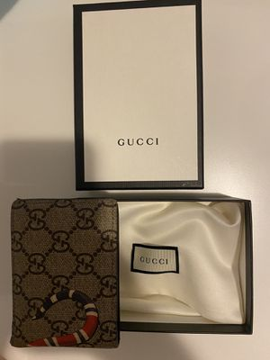 Used Gucci wallet for Sale in Tampa, FL