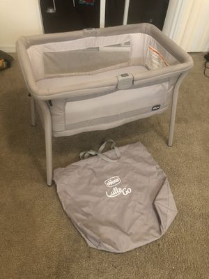 Baby crib & Baby car seat with its stroller for Sale in Orlando, FL