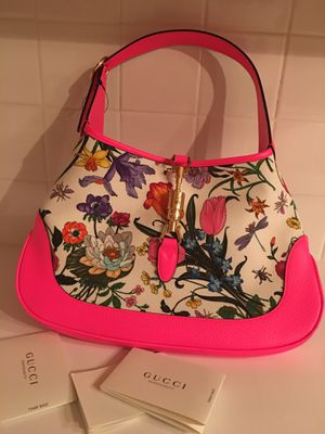Gucci Jackie medium Flora hobo bag new with tag the real price is $1999 so it half the price now for Sale in Plano, TX