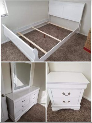 4 PCS BEDROOM SET BED FRAME, NIGHTSTAND,DRESSER AND MIRROR for Sale in Chino, CA