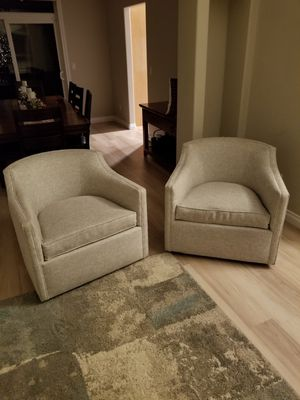 Swiveling chairs verry comfy for Sale in Vancouver, WA