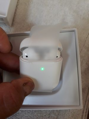 Airpods 2 generation for Sale in Chicago, IL