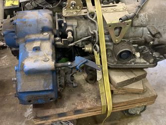 205 Transfer case with Turbo 350 for Sale in Puyallup,  WA