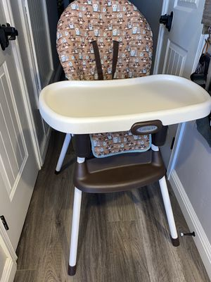 Graco SimpleSwitch 2-in-1 Convertible High Chair for Sale in San Diego, CA