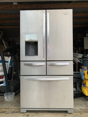 Whirlpool 5 doors 26 CU Refrigerator for Sale in Boynton Beach, FL