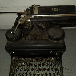 Royal Typewriter for Sale in San Francisco, CA