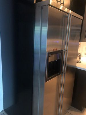 "GE Monogram Refrigerator and Freezer with Ice Maker 36"" Wide X 71"" Height for Sale in Miami, FL"