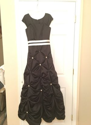 Dress for Sale in Weyers Cave, VA