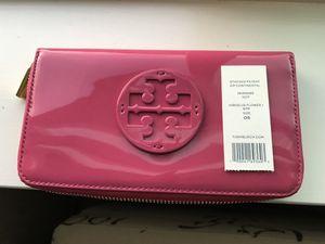 Tory Burch Wallet for Sale in Lynnwood, WA