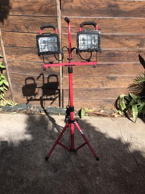 CRAFTSMAN PORTABLE LIGHT. 1000 WATT ( condition very good) for Sale in Miami, FL