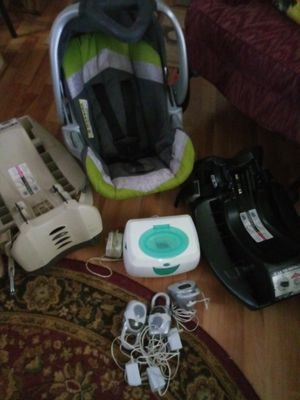 Carseat/carrier..2 bases..working monitors..working baby wipe warmer for Sale in Rustburg, VA