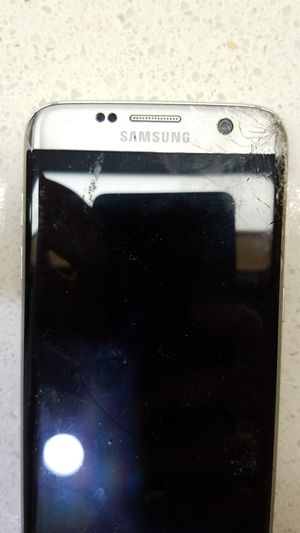 Samsung S7 Edge Cel Phone Cracked Screen for Sale in Los Angeles, CA