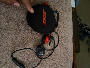 BOSE SoundSport Wireless HeadPhones ! for Sale in Alexandria, VA