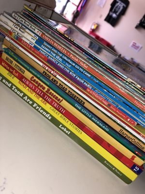 17 Book Lot for Kids for Sale in Fort Lauderdale, FL