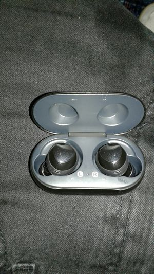 Samsung earbuds for Sale in Lynnwood, WA