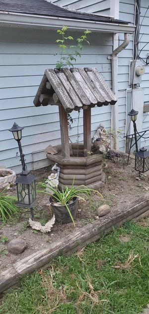 Large wishing well for Sale in Ansted, WV