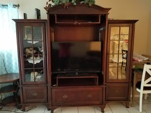 Mohagany 6 piece entertainment center. for Sale in Fresno, CA