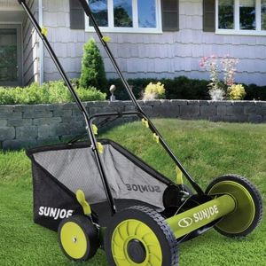 Sun Joe MJ501M Manual Reel Mower w/ Grass Catcher | 18 inch for Sale in Los Angeles, CA