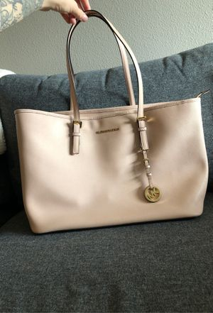 MICHAEL KORS Leather Tote for Sale in Gresham, OR