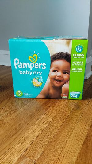 Pampers Size 3 - 204 count for Sale in Rocky River, OH