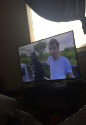 TCL Roku tv 49 inch for Sale in Marietta, GA