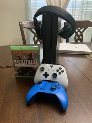 Xbox one S 1tb battlefield one limited edition with 2 controller for Sale in Orlando, FL
