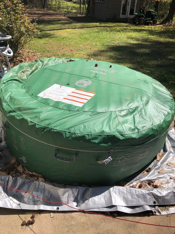 HOT TUB ( Inflatable) Sets up in Minutes