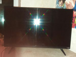 "32"" led vizio t.v for Sale in Sioux City, IA"