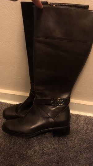 Michael kors size 6 boots for Sale in Pittsburgh, PA