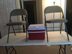 Foldable picnic table with 2 chairs and cooler for Sale in Alexandria, VA