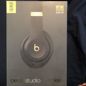 Beats Studio 3 Skyline Collection for Sale in Discovery Bay, CA