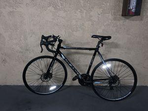 Vilano t20 road bike disc brake 21 speed black 700c for Sale in Los Angeles, CA