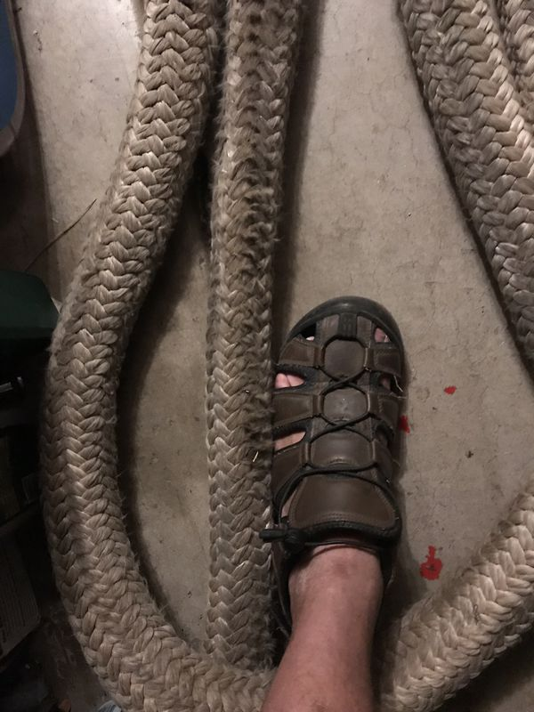 60 foot it's 3 or 4 inches diameter heavy duty rope