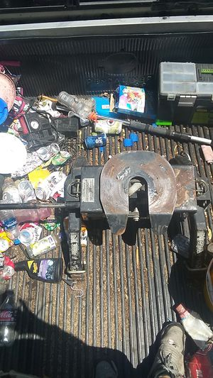 Fifth wheel hitch for Sale in Tulare, CA
