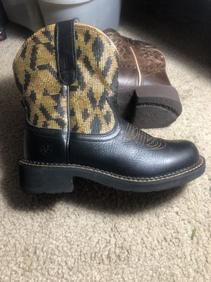 ARIAT! Size 7 woman's for Sale in Rolla, MO