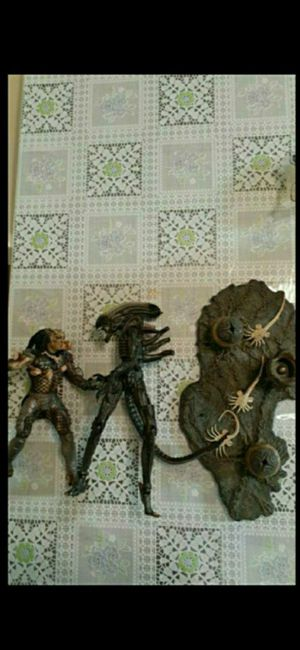 McFarlane Toys Alien and Predator Deluxe Boxed Set Movie Maniacs 5 for Sale in Rancho Cucamonga, CA