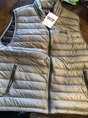 NWT Men's Patagonia Down Vest - XXL for Sale in Seattle, WA
