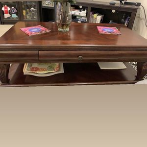 Coffee Table for Sale in Grayson, GA