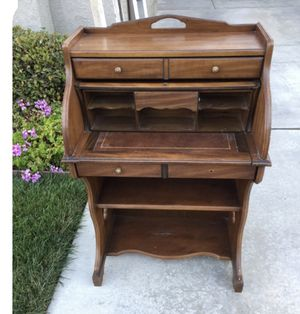 Cute antique type desk for Sale in San Diego, CA