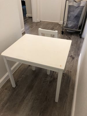 Kids desk and chair for Sale in Arcadia, CA