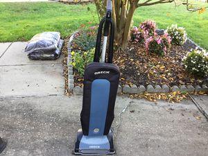 Oreck Vacuum Cleaner for Sale in Newport News, VA